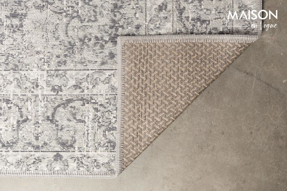 C\'est en voyageant à travers l\'Inde que nous avons trouvé l\'inspiration du design du tapis Ravi