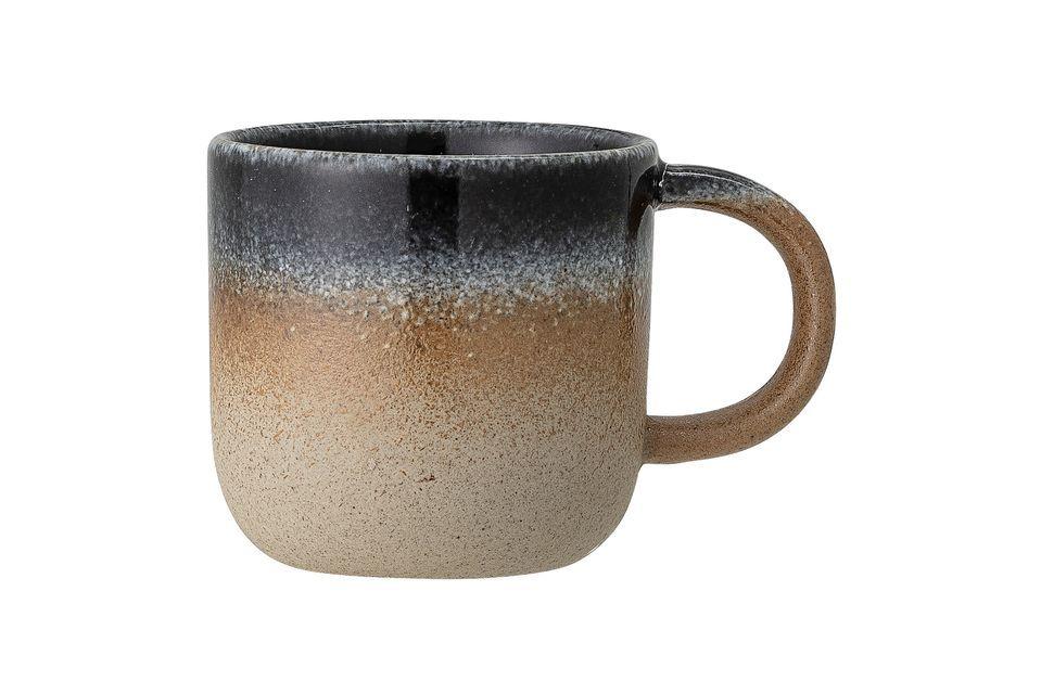 Cette petite tasse sera un parfait ornement sur votre table avec son style et son coloris naturels