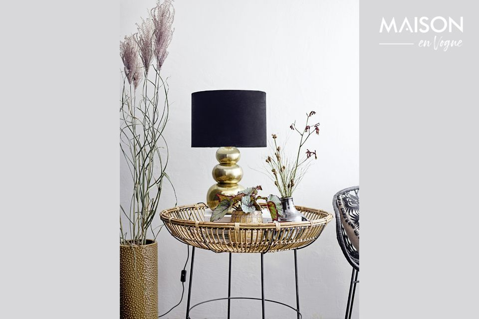Joli vase de décoration noir