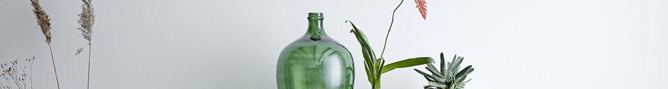 Mise en avant matière Vase Lacoste vert