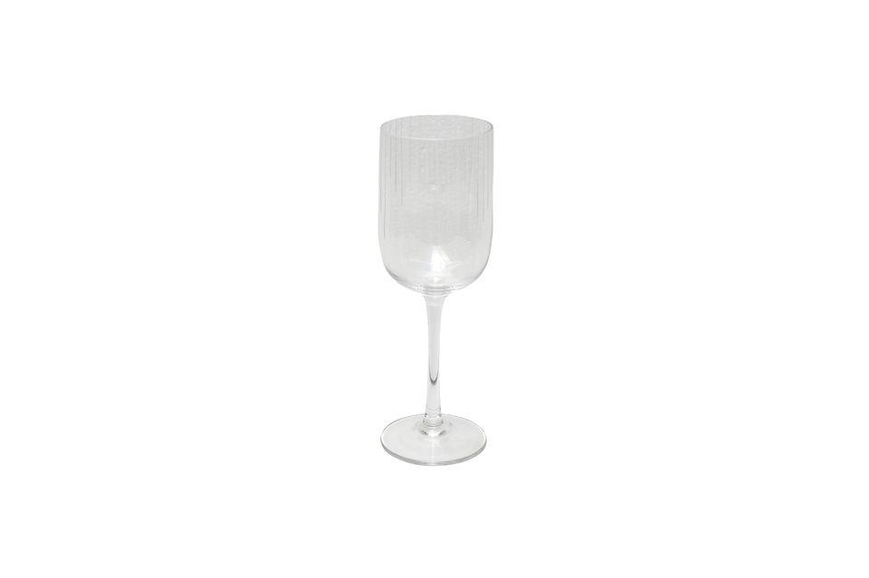 Ce verre à vin se marie à toute votre vaisselle grâce à son style sobre